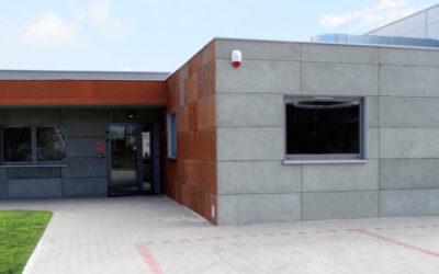 Płyty elewacyjne z betonu architektonicznego 18 mm