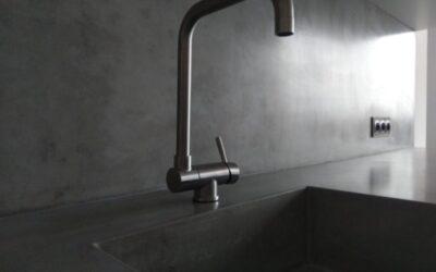 Aranżacja kuchni zblatem betonowym