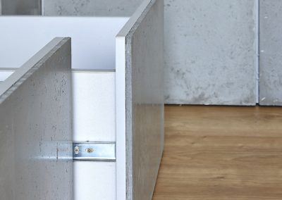 drzwiczki z betonu