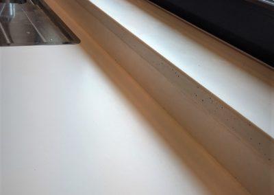 parapet z betonu w aranzacji kuchni