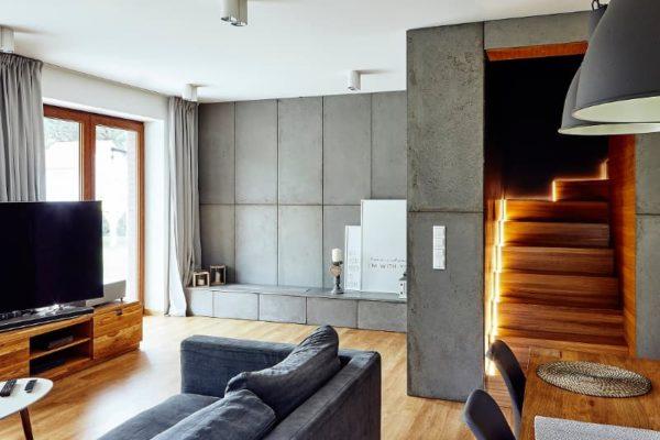 beton architektoniczny plyty w salonie