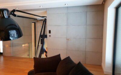 Okładziny betonowe na drzwiach