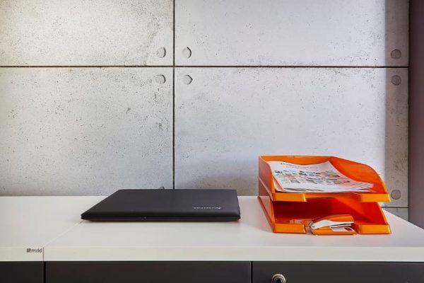 plyty scienne w biurze