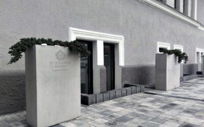 Donice betonowe z identyfikacją wizualną
