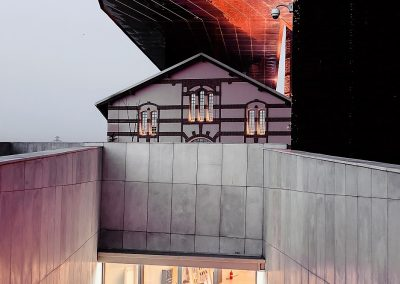 Muzeum kantora w Krakowie elewacja betonowa