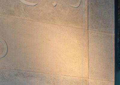 Odciski słów wykonane w płytach z betonu grc.